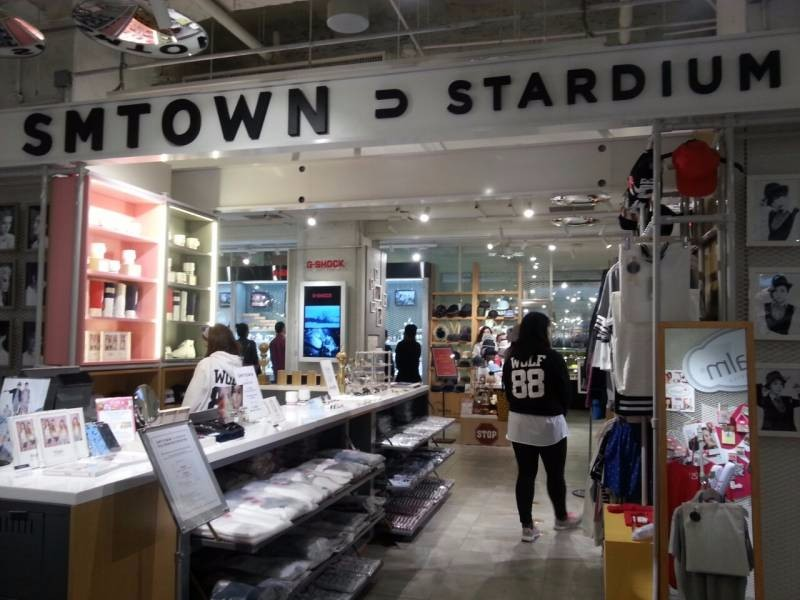 SMTOWN-POP-UP-STORE
