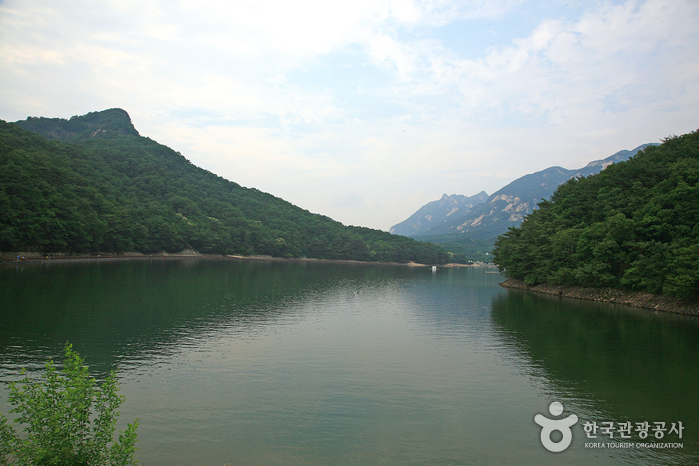 Pocheon-Sanjeonghosu-Lake