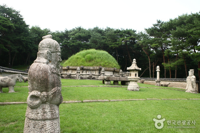 Donggureung-Royal-Tomb-2